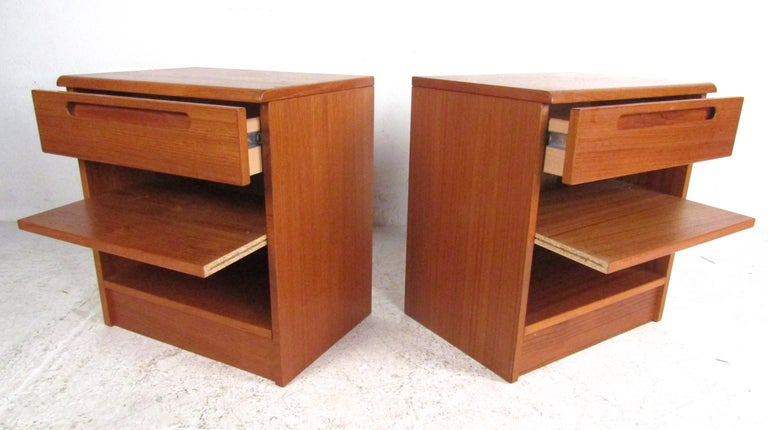 Pair of Midcentury Danish Teak Nightstands by Jesper In Good Condition For Sale In Brooklyn, NY