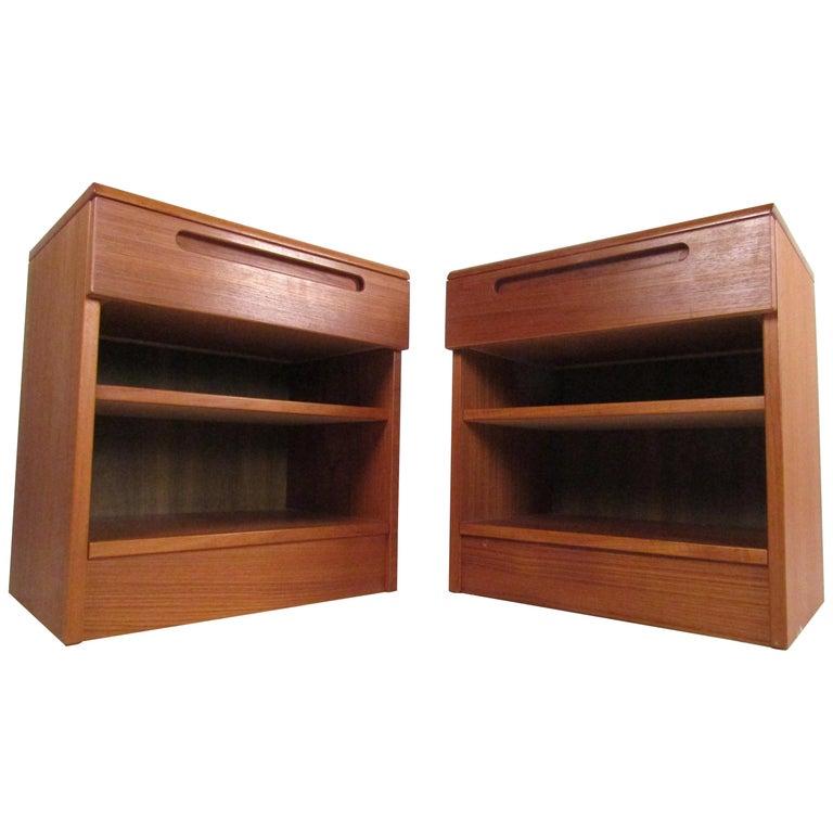Pair of Midcentury Danish Teak Nightstands by Jesper For Sale