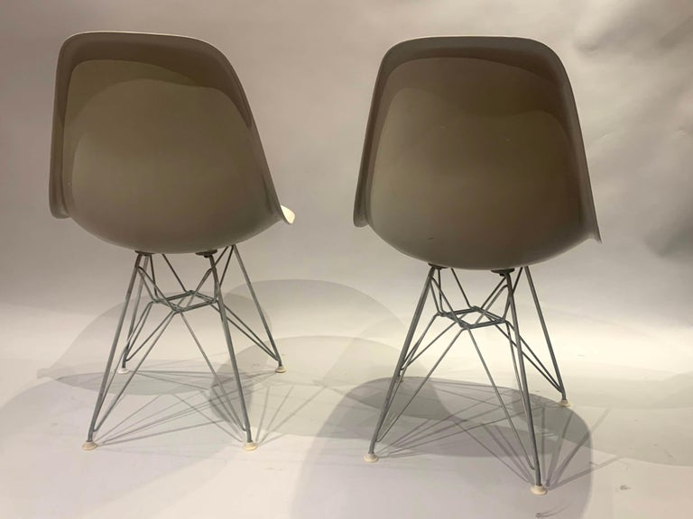 American Pair of Midcentury Eames Fiberglass Eiffel Tower Shell Chairs for Herman Miller For Sale