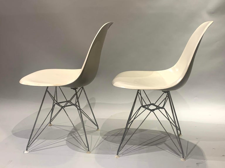 Pair of Midcentury Eames Fiberglass Eiffel Tower Shell Chairs for Herman Miller In Good Condition For Sale In Milford, NH