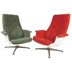 Pair of Mid Century Fiberglass Swivel Lounge Chairs