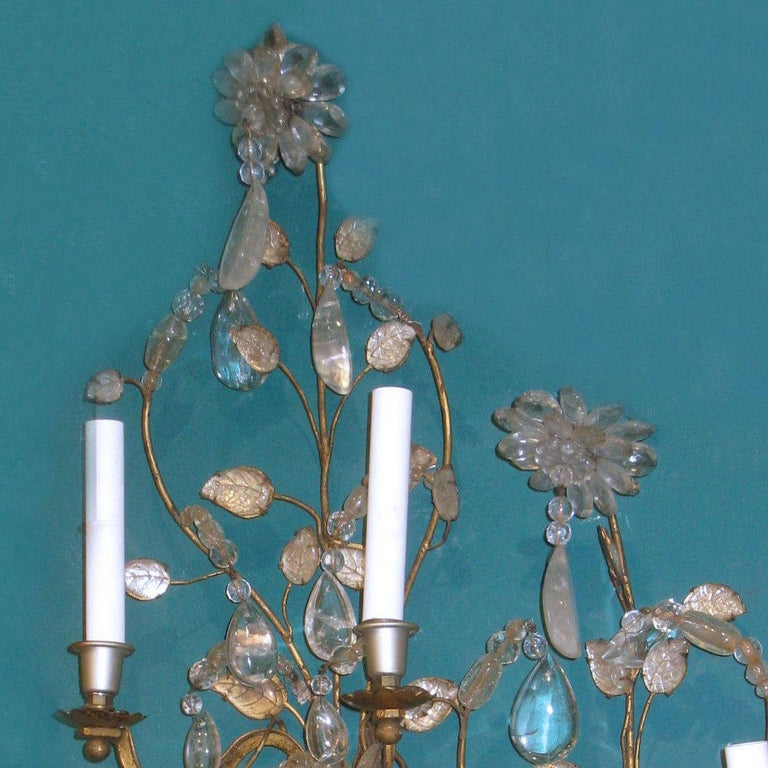 Art Deco Pair of Midcentury Glass and Rock Crystal Sconces Attributed to Baguès For Sale