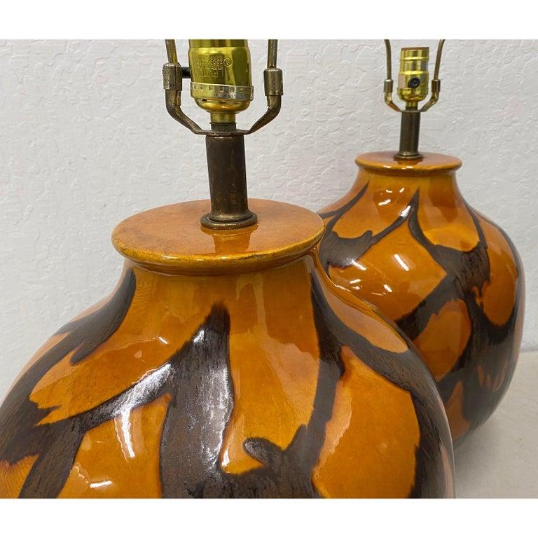 Mid-Century Modern Pair of Midcentury Glazed Ceramic Lamps, circa 1970s For Sale