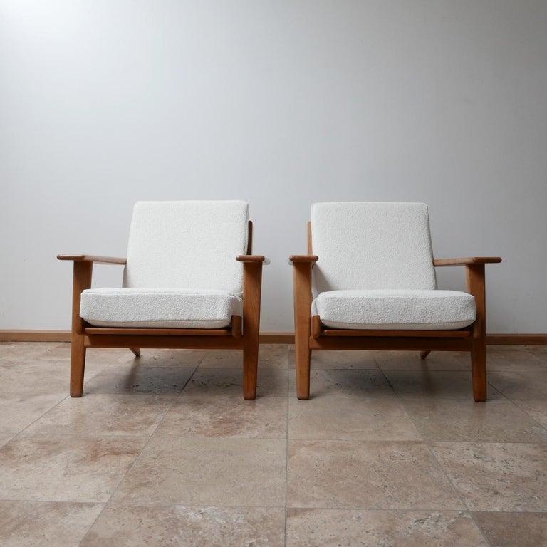 Swedish Pair of Midcentury Hans Wegener GE-290 Armchairs For Sale