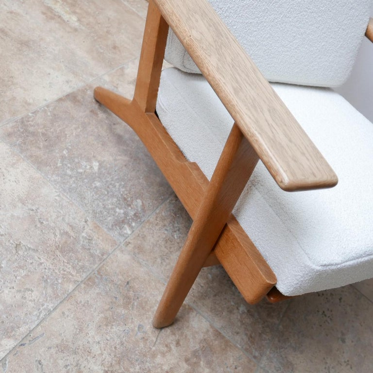Oak Pair of Midcentury Hans Wegener GE-290 Armchairs For Sale