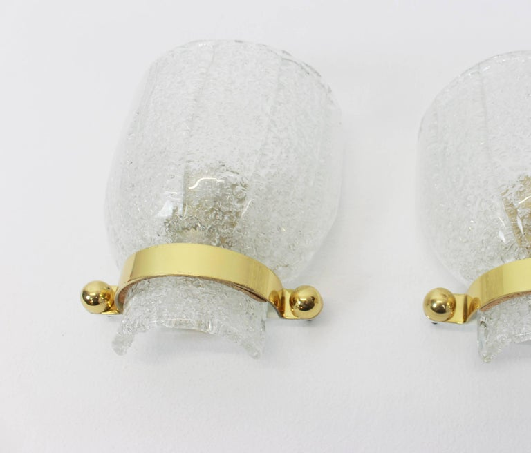 Austrian Pair of Midcentury Ice Glass Wall Sconces, Kalmar, Austria, 1960s For Sale