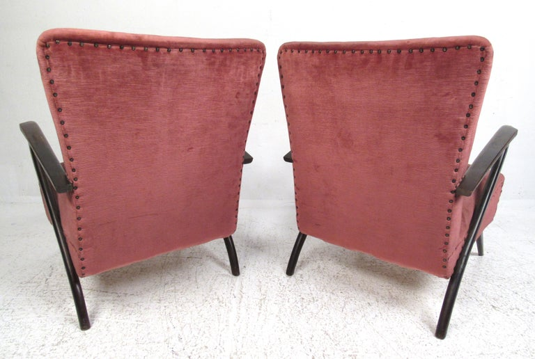 Pair of Midcentury Italian Armchairs by Paolo Buffa In Good Condition For Sale In Brooklyn, NY