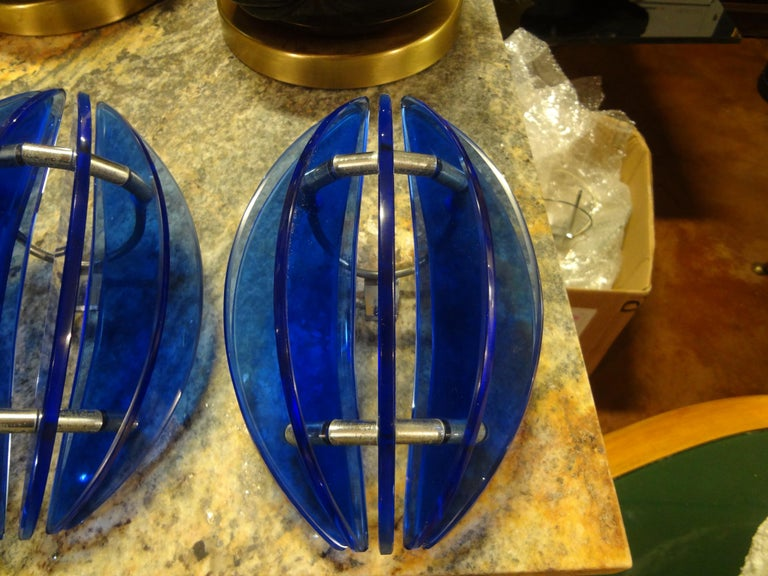 Mid-20th Century Pair of Mid-Century Italian Cobalt Blue Glass Sconces by Veca For Sale