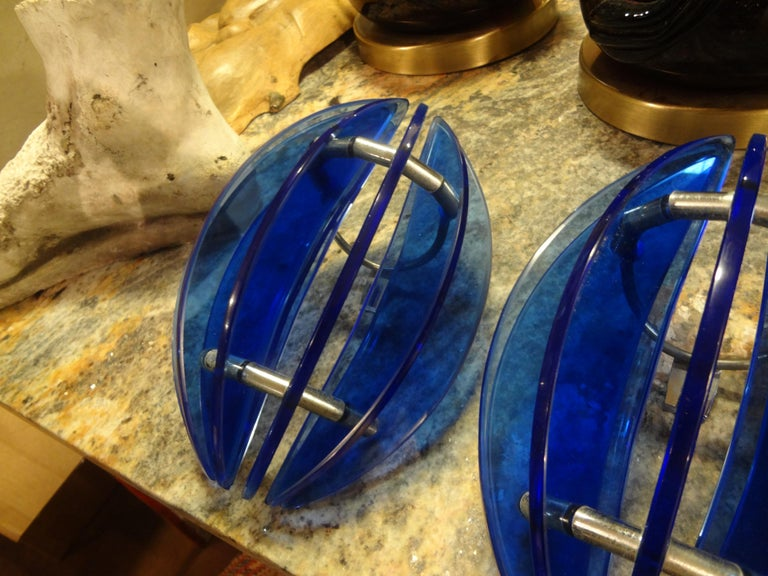 Pair of Mid-Century Italian Cobalt Blue Glass Sconces by Veca For Sale 1