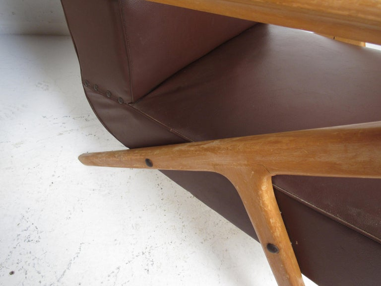 Pair of Midcentury Italian Lounge Chairs For Sale 6
