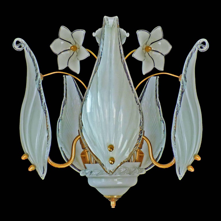 Awesome pair of 1970s vintage Italian Murano Lily Calla art-hlass shades gilt chandelier and flower bouquet. Franco Luce Seguso chandelier with five handblown Murano glass leaves, white and clear glass flowers and gold-plated