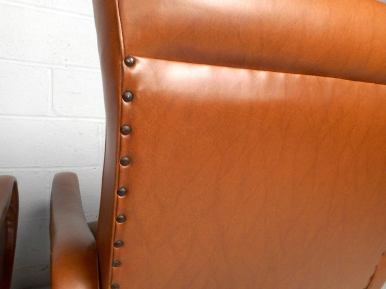Pair of Mid-Century Italian Style Lounge Chairs In Good Condition For Sale In Brooklyn, NY