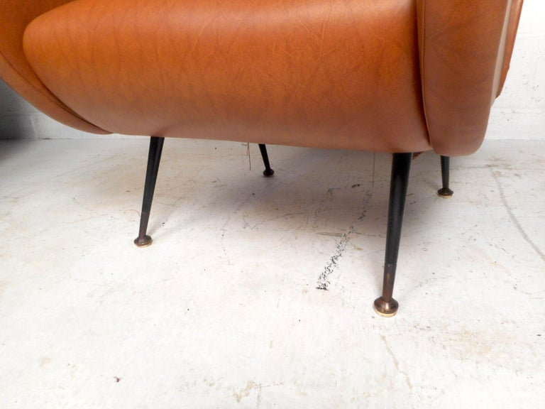 Pair of Mid-Century Italian Style Lounge Chairs For Sale 1