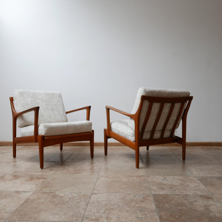 "Mid-Century Modern Pair of Midcentury ""Kuba"" Armchairs by Bertil Fridhagen For Sale"