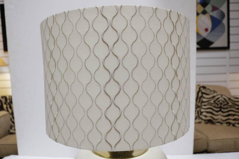 Mid-Century Modern Pair of Midcentury Lamps in Ivory Ceramic and Brass For Sale