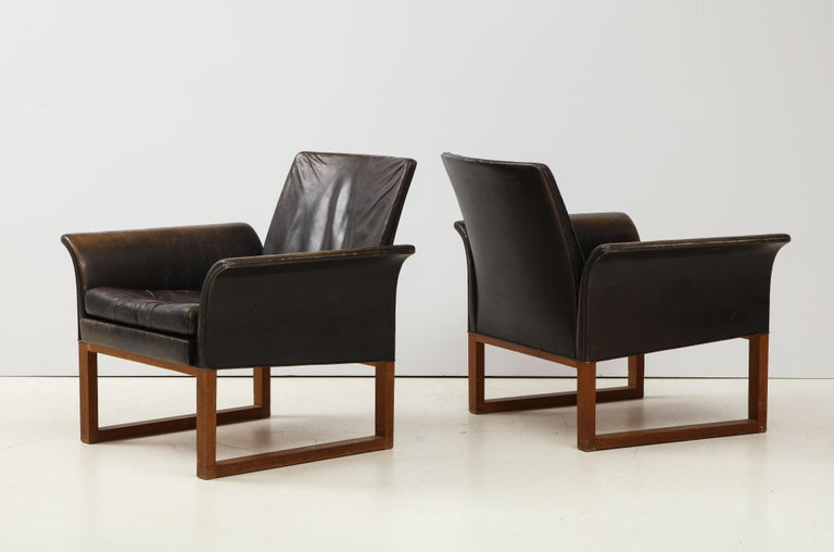 Pair of Rare Mid-Century Leather Club Chairs, Sweden, circa 1950s In Good Condition For Sale In New York City, NY