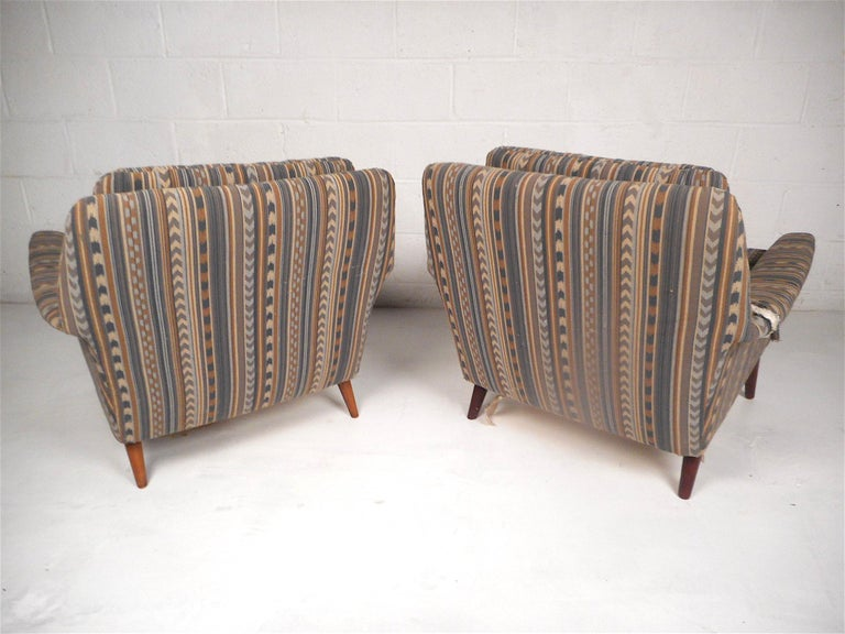 20th Century Pair of Midcentury Lounge Chairs For Sale