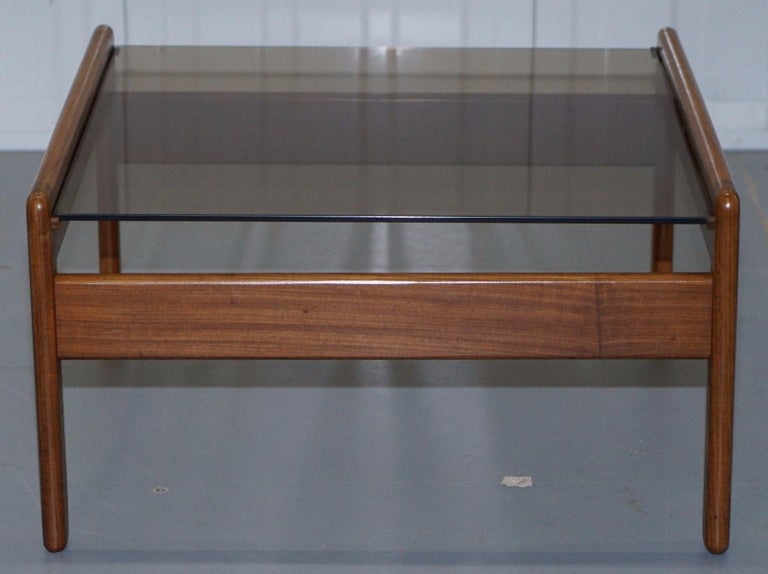 Pair of Mid-Century Modern 1960s Danish Teak Side Tables with Glass Tops Lovely In Good Condition For Sale In London, GB