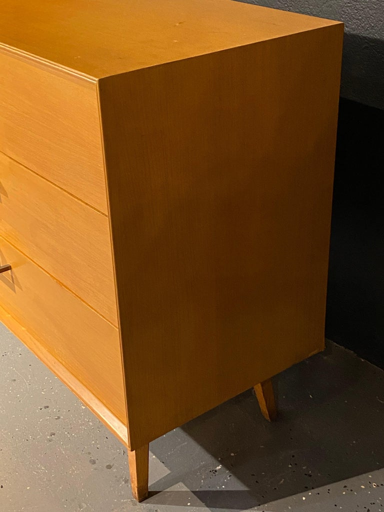 Pair of Mid-Century Modern Bachelor Chest, Commodes or Dressers For Sale 6