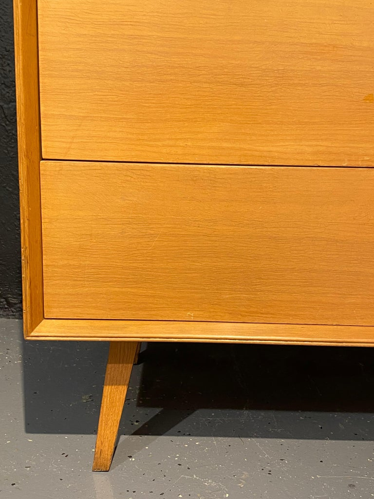 Pair of Mid-Century Modern Bachelor Chest, Commodes or Dressers For Sale 3