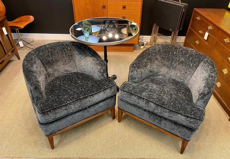 Pair of Mid-Century Modern Bespoke Custom Newly Upholstered Club Chairs In Good Condition For Sale In West Hartford, CT