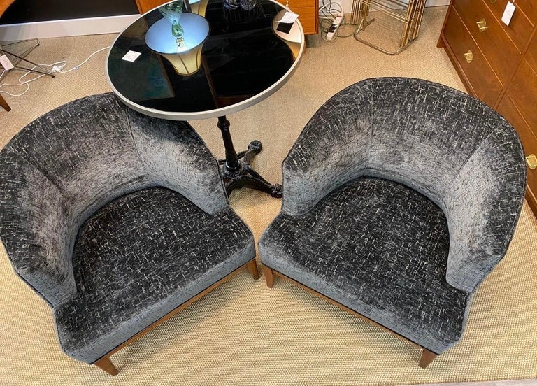 Pair of Mid-Century Modern Bespoke Custom Newly Upholstered Club Chairs For Sale 3