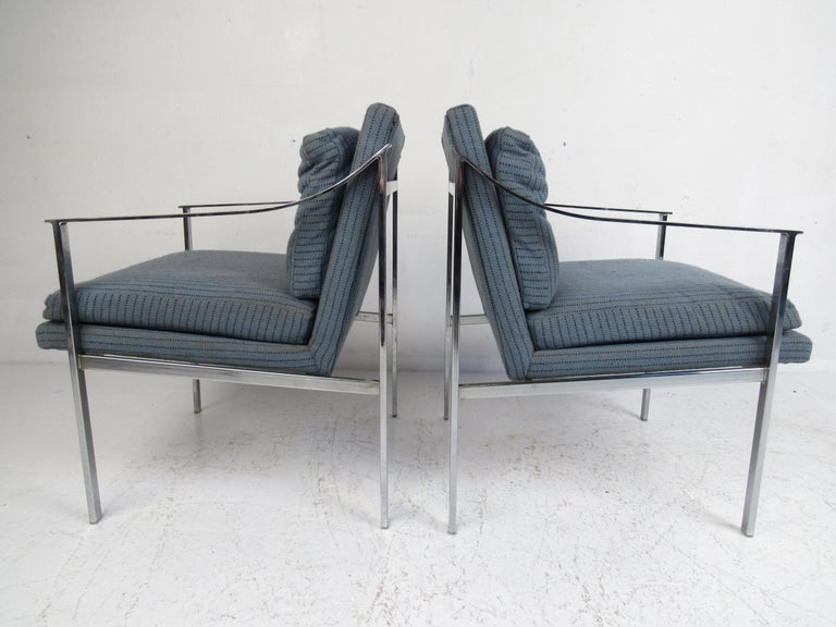 Late 20th Century Pair of Mid-Century Modern Chrome Lounge Chairs For Sale