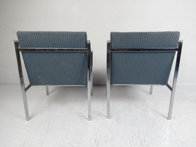 Pair of Mid-Century Modern Chrome Lounge Chairs For Sale 1