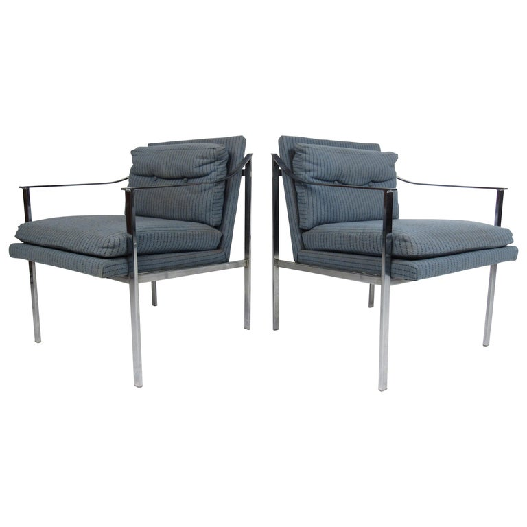 Pair of Mid-Century Modern Chrome Lounge Chairs For Sale