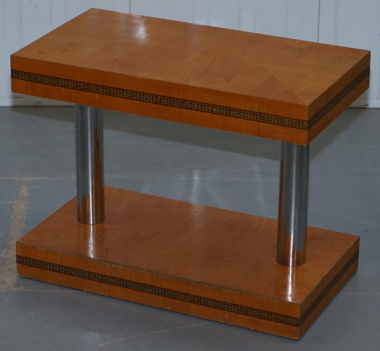 Hand-Crafted Pair of Mid-Century Modern Chrome-Plated & Satinwood Side End Wine Lamp Tables For Sale