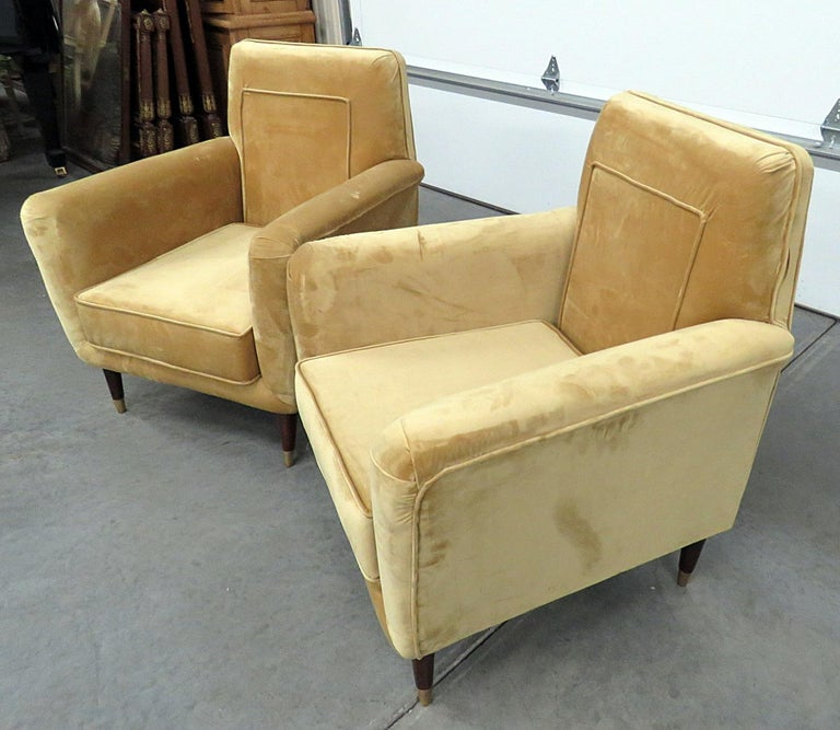 Pair of Mid-Century Modern Club Chairs In Good Condition For Sale In Swedesboro, NJ