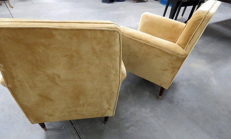 20th Century Pair of Mid-Century Modern Club Chairs For Sale