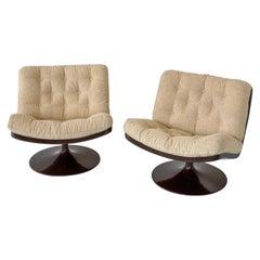 Pair of Mid-Century Modern Creamy-White, Brown Lounge Chairs, Artifort, 1970s
