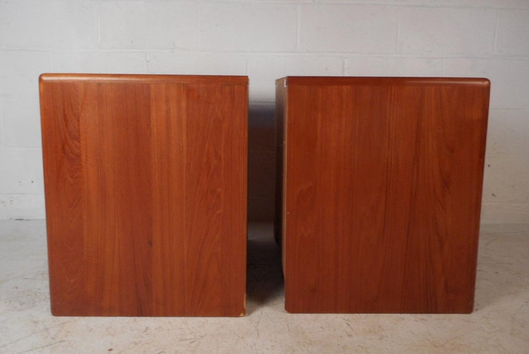 Late 20th Century Pair of Mid-Century Modern D-Scan Captain Line Teak Nightstands For Sale