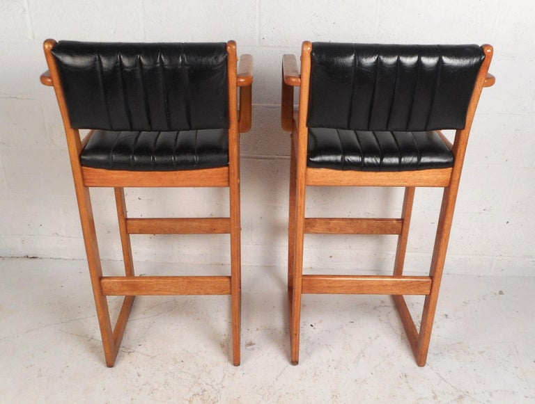 Late 20th Century Pair of Mid-Century Modern Danish Bar Stools For Sale