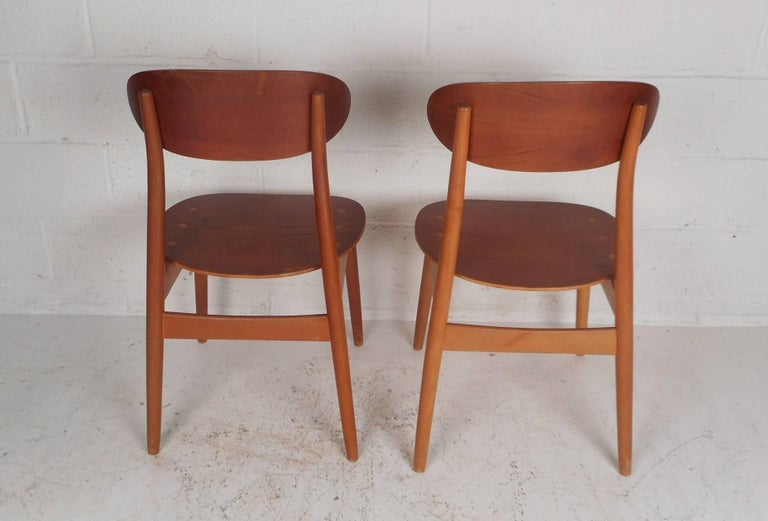 Teak Pair of Mid-Century Modern Danish Chairs For Sale