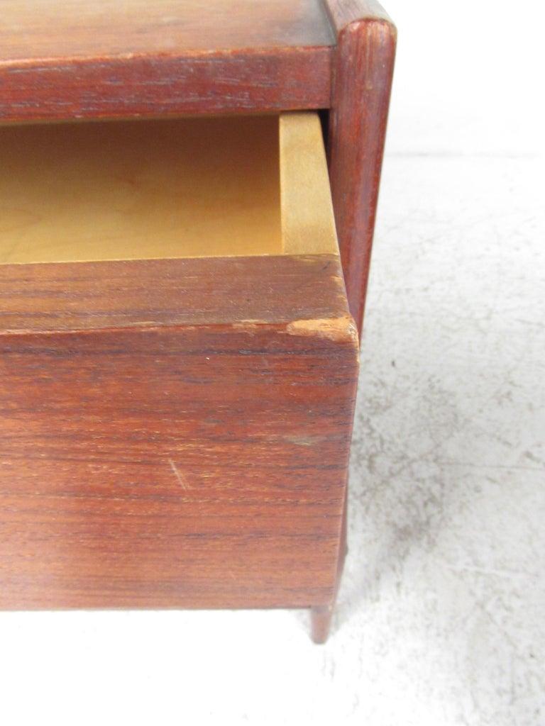 Pair of Mid-Century Modern Danish Teak Nightstands For Sale 9