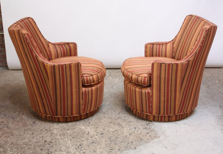 Mid-20th Century Pair of Mid-Century Modern Diminutive Swivel Chairs For Sale