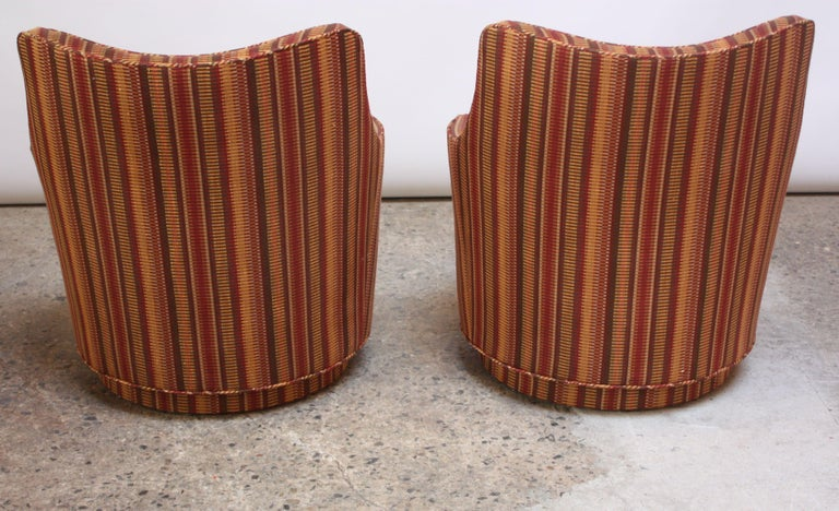 Pair of Mid-Century Modern Diminutive Swivel Chairs For Sale 1