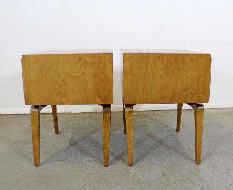 Pair of Mid-Century Modern Edmond J. Spence Sculpted Birch Nightstands In Good Condition For Sale In Wilmington, DE