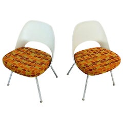 Pair of Mid-Century Modern Executive Armless Chairs Created by Eero Saarinen