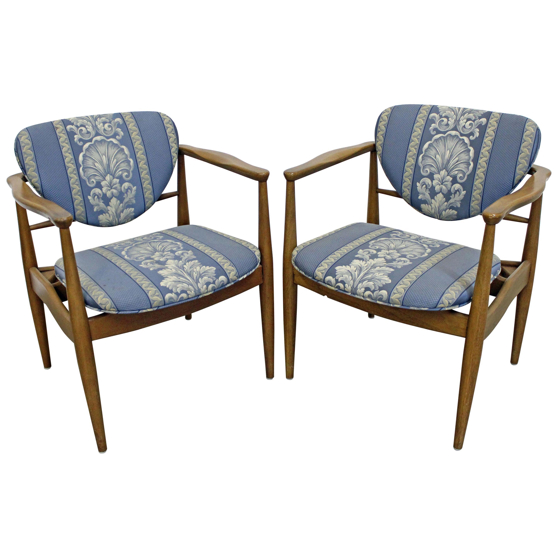 Pair of Mid-Century Modern Finn Juhl Attributed Walnut Arm Lounge Chairs