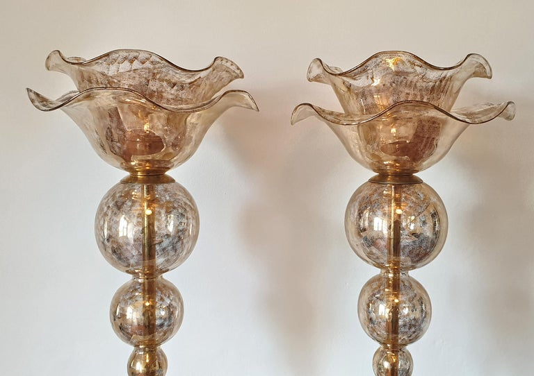 Italian Pair of Mid-Century Modern Flower Murano Glass Table Lamps, Attributed to Seguso For Sale
