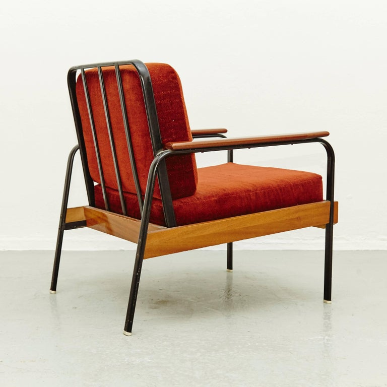 Pair of Mid-Century Modern French Easy Chairs after Jean Prouvé, circa 1950 In Good Condition For Sale In Barcelona, Barcelona