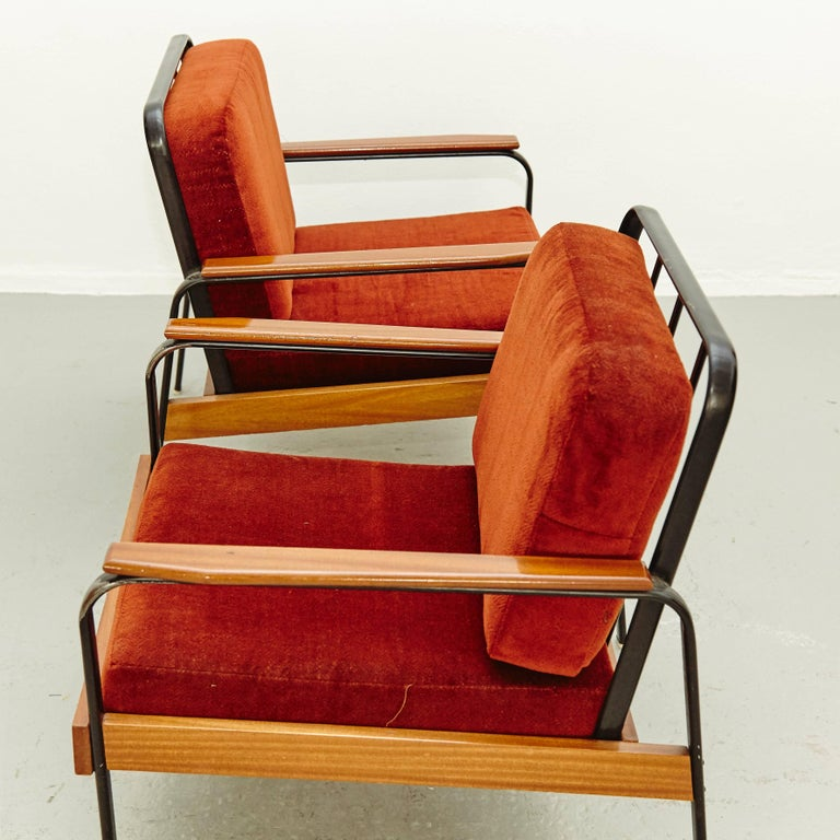 Pair of Mid-Century Modern French Easy Chairs after Jean Prouvé, circa 1950 For Sale 4
