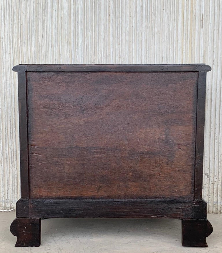 Wood Pair of Mid-Century Modern Front Nightstands with original Hardware For Sale