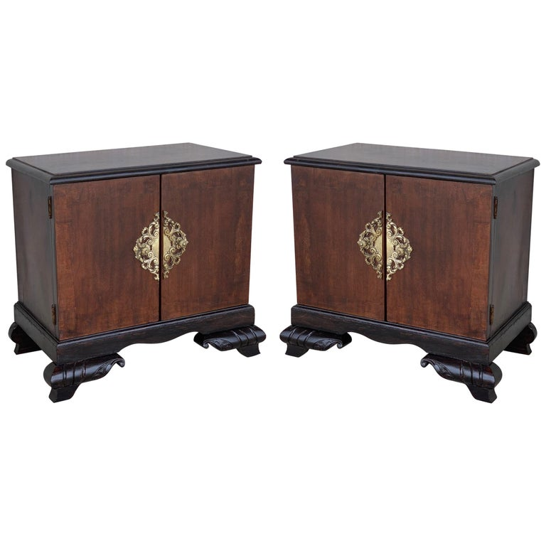 Pair of Mid-Century Modern Front Nightstands with original Hardware For Sale