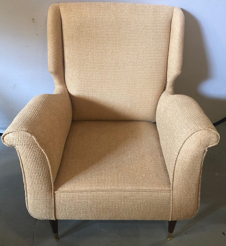 20th Century Pair of Mid-Century Modern Gio Ponti Style Arm, Bergère or Wingback Chairs For Sale