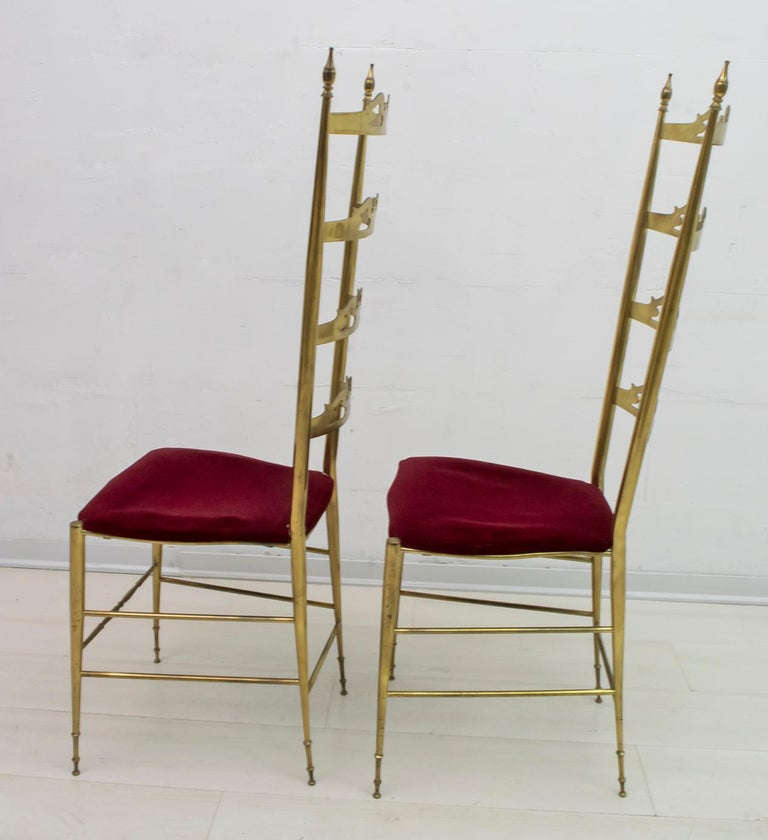 Pair of Mid-Century Modern Italian Brass High Back Chiavari Chairs, 1950s For Sale 1