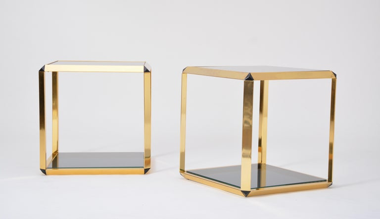 Pair of Mid-Century Modern Italian Gold-Rimmed Metal and Glass Side Tables For Sale 4